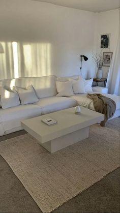 Room Design Bedroom, Home Room Design, Dream Home Design, Home Interior Design, Bedroom Decor, House Design, My Dream Home, Apartment Interior, Apartment Living