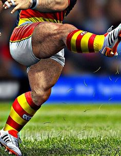 Rugby Muscle, Muscle Bear, Sports Mix, Sports Models, Rugby Players, Football Players, Men's Health Fitness, Rugby Men, Beefy Men
