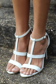 Ivory bridal shoes with comfortable heels. Ideal for beach weddings – Forever Soles