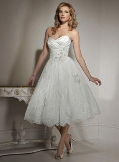 Isadora Ann. (El largo del traje cae tan perfecto con el estilo de la falda, me encanta gm)