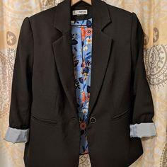 Image may contain: people standing via Blazer, People, Jackets, Diy, Image, Fashion, Down Jackets, Moda, Bricolage