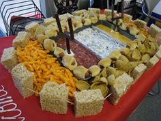 Football Food Stadium - Make a stadium full of food for your game day party #Football #Recipe #Appetizer #SuperBowl