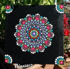 Mandala Dot Art Hand Painted on Canvas with acrylic colors by Nina Italy - Puntinismo su tela con colori acrilici fatto a mano di Nina Italy