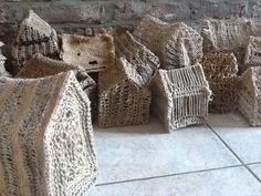 Huisjes van jute, touw, riet etc. by Petra Dragstra