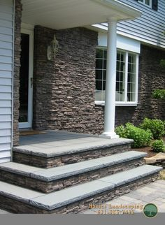 House front steps patio New Ideas Patio Steps, Brick Steps, Concrete Steps, Front Porch Stairs, Front Door Steps, Front Walkway, Front Stoop, Front Steps Stone, Concrete Front Porch
