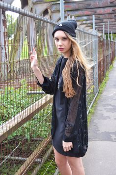 Shop the look - https://marketplace.asos.com/boutique/emma-warren  Facebook - https://www.facebook.com/designemmawarren  #grunge #grungefashion #asosmarketplace #model #outfitoftheday #outfit #beanie #fashion #style #hair
