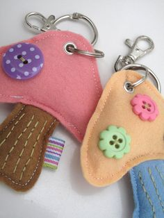 felt keychain. maybe me and the girls could make these cathy.
