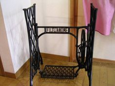 Sewing Machine アンティークミシンの脚 インテリア 雑貨 家具 Antique ¥25000yen 〆07月15日