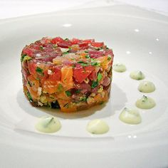Tartaar van tonijn en gerookte zalm met een toefje basilicummayonaise