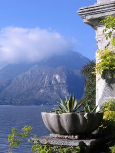 Lake Como, Italy. Until I joined Pinterest, going to Italy wasn't something that interested me. But after seeing all the incredible pictures on here, Italy is pretty high on my bucket list now. Especially Lake Como