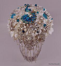 In Cascata by Blue Petyl Bouquets #wedding #bouquet
