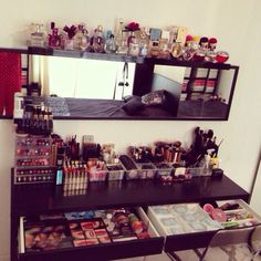 Makeup storage •✿• Shop with me: http://www.marykay.com/Moreno Serving the greater San Antonio, TX area. FREE gift w $50 order!  Choose 3 items for 1/2 price with a $300 Party!!