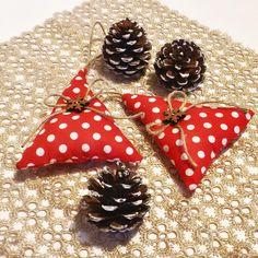 Christmas country ornaments by Feltro e altro http://www.misshobby.com/it/negozi/feltro-e-altro
