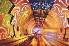 #Bund Sightseeing #Tunnel #Shanghai #Cina  Cos' è la #città se non la #gente? [Coriolano, William Shakespeare]  #metro #subway #underground  http://smartraveller.it/2014/03/28/le-metropolitane-piu-belle