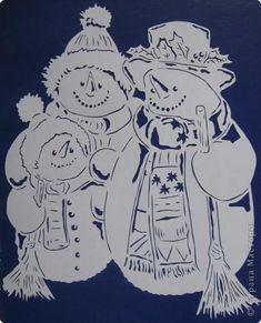 Картина панно рисунок Новый год Вырезание Семья снеговиков Бумага фото 2