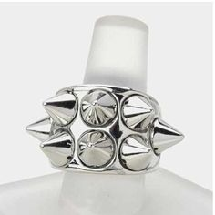 Spiky stretch ring Beautiful spiky ring. It can make any outfit look edgy. It can be dressed up or down. This is on trend for fall's grunge, punk or rocker chic trend. Jewelry Rings