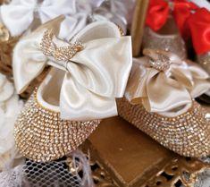 Baby shoes with strass. Βαπτιστικά παπουτσάκια αγκαλιάς όλο στρας. Τηλεφωνικές παραγγελίες στο 📲 +306973390687 #4r💜💜msbymilana #4r❤️❤️msstoreofhappiness #4r❤️❤️ms #βαπτιστικαπαπουτσακιααγκαλιας #παπουτσακιαμεστρας #στρας #παπουτσιαγιακοριτσια Napkin Rings, Decor, Dekoration, Decoration