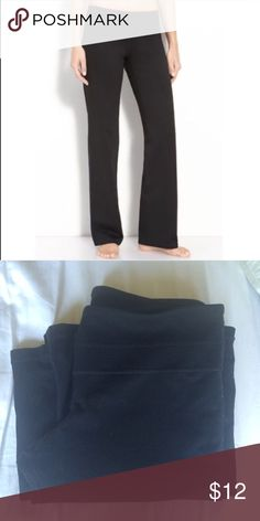 Zella boot cut yoga pants Worn but no damage. Size 6 but does not contain a size tag. Priced accordingly. Zella Pants