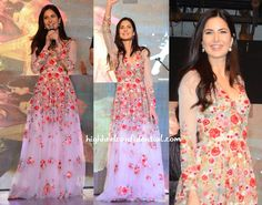 Katrina Kaif in Varun Bahl Floral Embroidered Designer Gown. Katrina and Aditya visited the Narsee Monjee College today for Fitoor promo. Katrina Kaif Dresses, Fairytale Dress, Designer Gowns, Designer Sarees, Inspirational Celebrities, Indian Ethnic Wear, Celebrity Look, Bollywood Celebrities, Saree Collection