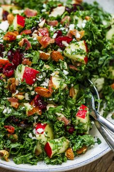 Apple Cranberry Bacon Kale Salad – Not only this salad recipe is packed full of hearty nutrients, but it tastes amazing too! Apple Cranberry Bacon Kale Salad – Not only this salad recipe is packed full of hearty nutrients, but it tastes amazing too! Gourmet Recipes, Cooking Recipes, Healthy Recipes, Cheese Recipes, Kale Salad Recipes, Cranberry Salad Recipes, Kale Salads, Recipes With Kale, Kale Apple Salad