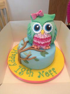 an owl cake. Ladybug Cakes, Owl Cakes, Fancy Cakes, Cute Cakes, Fondant Cakes, Cupcake Cakes, Fondant Owl, Fruit Cakes, Owl Cake Birthday