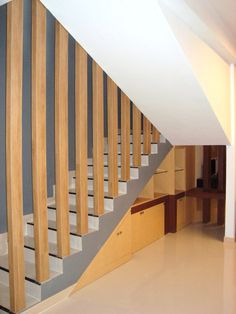 Stair column design by Simple Luxury Interior Surabaya, Indonesia