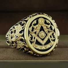 10k solid gold Past Master ring with raised detail