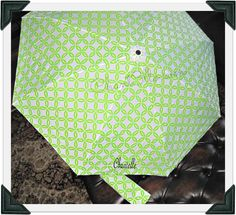 I love this umbrella! #Win your own here: http://chant3llo.com/the-pink-monogram-umbrella-review-and-giveaway/