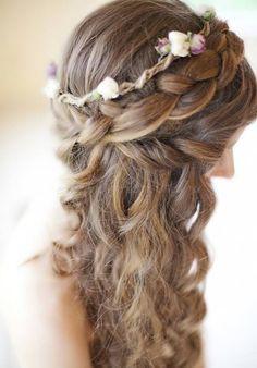 fonott menyasszonyi frizurák, fonott esküvői frizura - körfonat