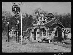Gas station and tourist cabins, Shannon County, Missouri: photo by John Vachon, February 1942