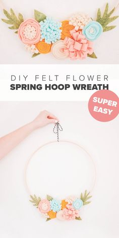 Paper Flower Wreaths, Paper Flowers Diy, Felt Flowers, Flower Crafts, Fabric Flowers, Felt Wreath, Felt Garland, Diy Garland, Diy Wreath