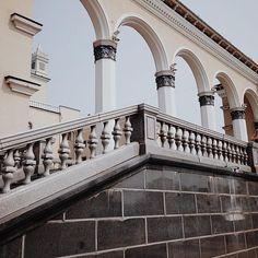 #уланудэ #театр #перила #колонны #лестница #архитектура #красота #vscocam #theater #architecture