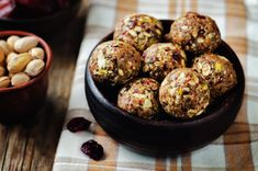 Buy White chocolate pistachio dates oats flax seed raw balls by Arzamasova on PhotoDune. White chocolate pistachio dates oats flax seed raw balls. Raw Balls, Pistachio, White Chocolate, Seeds, Muffin, Breakfast, Ethnic Recipes, Cakes, Photographs