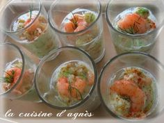 Tartare de concombre avocat et crevettes en verrines