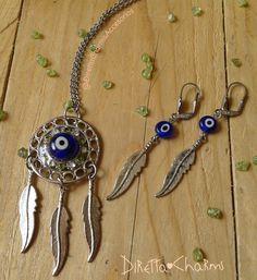 Set de atrapasueños con ojo turco en vidrio y cristales verdes. Aretes con plumas en metal y ojo turco azul... solicitalo en el color de tu preferencia. Envíos nacionales e internacionales.  Info wtp + 57 3127080891  Diretta ♥ Charms Accesorios que resaltan tus encantos.  #DirettaCharmsAccesorios #DirettaAccesorios #inspiration #followme #art #resin #beautiful #accesories #lovely #love #instaart #inspiration #ojoturco #loves #eyes #collar #colombia