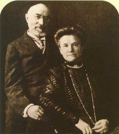 Isador Strauss (Feb 6, 1845 - Apr 15, 1912) Ida Blun Strauss (1849 - Apr 15, 1912)   Isador Strauss was the founder of Macy's