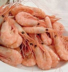 One Perfect Bite: Spicy Steamed Shrimp - Pink Saturday Fish Dishes, Seafood Dishes, Fish And Seafood, Shrimp Recipes, Fish Recipes, Steamed Shrimp, Good Food, Yummy Food, Spicy