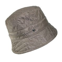 Waterproof bucket hat with polar fleece lining for comfort. This packable style fit's right in your pocket