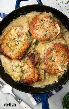 Pork Chops = The Southern Comfort Food We Can't Get Enough OfDelis.Smothered Pork Chops = The Southern Comfort Food We Can't Get Enough OfDelis. Easy Pork Chop Recipes, Meat Recipes, Cooking Recipes, Healthy Recipes, Cooking Tips, Simple Recipes, Cooking Pork, Comfort Food Recipes, Pork Sirloin Recipes