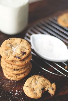 peanut chocolate chip cookies with sea salt