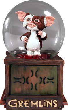 "GREMLINS Comedy Horror Movie GIZMO 6-1/2"" Tall SNOW GLOBE DOME FIGURE New Mint"