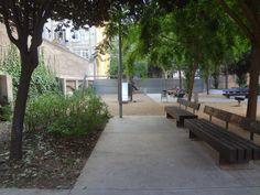Interior d'Illa Jardins de Maria Matilde Almendros o Jardins de Calàbria del Barri de Sant Antoni del Districte de l'Eixample en Barcelona Catonia Spain Places