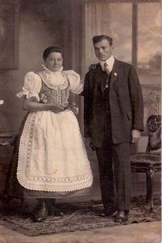 Folklor Brněnska - Fotoalbum - kroj z Lelekovic Czech Republic, All Things, Victorian, Dresses, Fashion, Pictures, Photograph Album, Vestidos, Moda