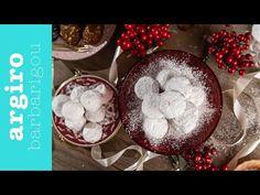 Κουραμπιέδες βουτύρου παραδοσιακοί από την Αργυρώ Μπαρμπαρίγου | Η κλασική συνταγή και όλα τα μυστικά για να σας βγουν αφράτοι και πεντανόστιμοι! Greek Pastries, Greek Desserts, Eat The Rainbow, Christmas Cookies, Doughnut, Baking Soda, Biscuits, Dessert Recipes, Christmas Recipes