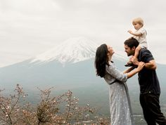 """Mi piace"": 1,002, commenti: 69 - Utah wedding Photographer (@camilialundphoto) su Instagram: ""And we are home!!! I never thought I'd love Japan so much, but the people here have given us so…"" Family Photos, Couple Photos, Utah Wedding Photographers, Family Photography, Japan, Flowers, Instagram Posts, People, Inspiration"