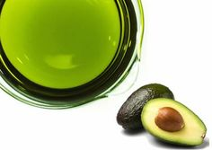How to Make Your Own Avocado Oil at Home Easily. Avocado oil contains a high level of essential fats which are very beneficial for nutrition and hydration of the skin. Healthy Foods To Eat, Healthy Fats, Healthy Skin, Avocado Mask, Avocado Oil, Organic Skin Care, Natural Skin Care, Natural Oils, Oil Cleansing Method