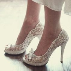dirtbin designs: Amazing wedding shoes !