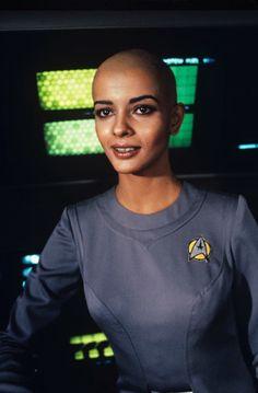 Persis Khambatta in Star Trek: The Motion Picture Star Trek Original Series, Star Trek Series, Jonathan Frakes, Shave My Head, Bald Women, William Shatner, Star Trek Universe, Picture Movie, Paramount Pictures