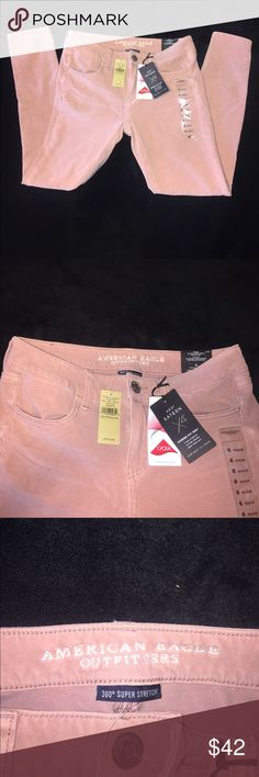 American Eagle Jegging NWT American Eagle Jegging. Size 6, Low Rise, Super Stretch fit. Champagne color is perfect for summer or fall! American Eagle Outfitters Jeans