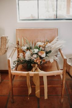 A swoon-worthy bridal bouquet with neutral-toned blooms and greenery | Image by Tayler Ashley Wedding Blog, Wedding Day, Spring Blooms, Neutral Tones, Wedding Designs, Floral Wedding, Ladder Decor, Greenery, Floral Design